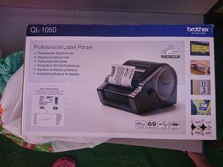 Impresora Brother de etiquetas profesional QL 1050