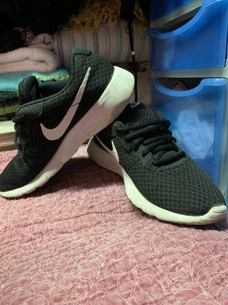 Zapatillas Nike negras N38