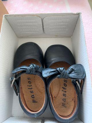 Zapatos niña azul marino