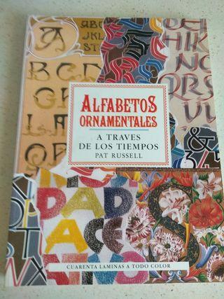 Alfabetos Ornamentales y Azulejos Decorativos