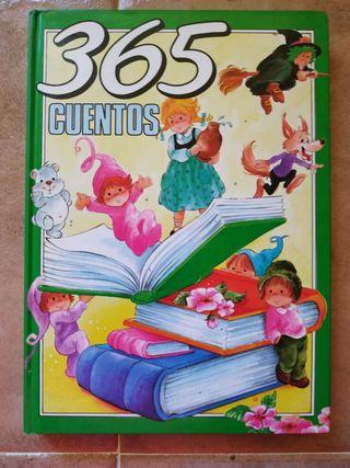 Se vende libro que incluye 365 cuentos