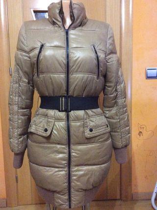 Anorak, abrigo Bershka talla M