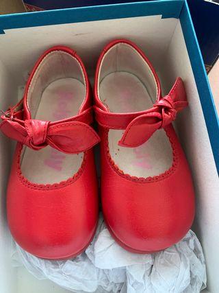 Zapatos niña rojos