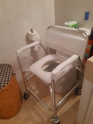 Silla de baño para minusvalidos