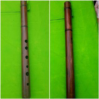 Flauta madera antigua decorativa