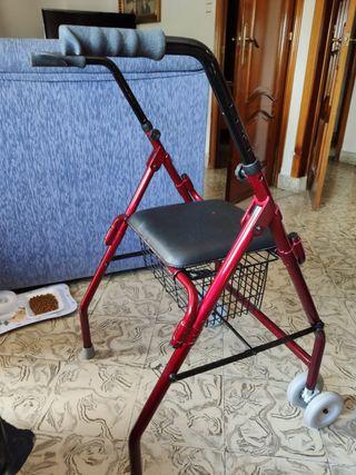 andador de 2 ruedas con cesta