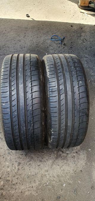 2 neumáticos Michelin al 80% de vida 225/40/19