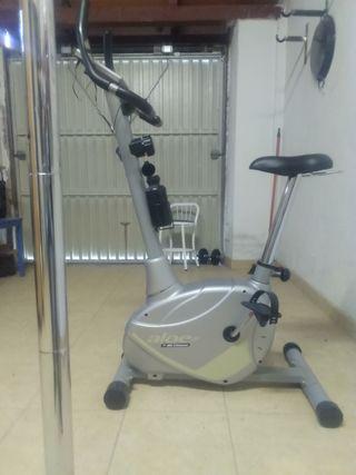 Bicicleta estática Aloe by BH Fitness
