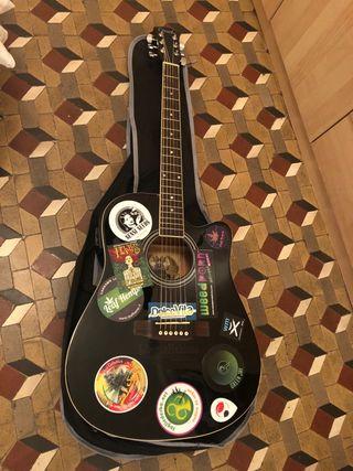 Guitarra Electro-Acústica Negra con bolsa