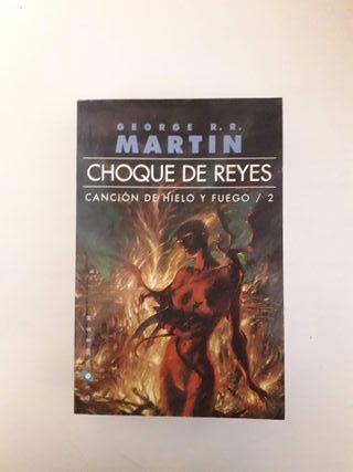 Libro Choque de Reyes de George R.R. Martin.