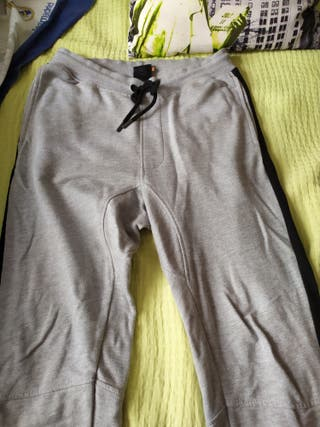 pantalón chandal gris