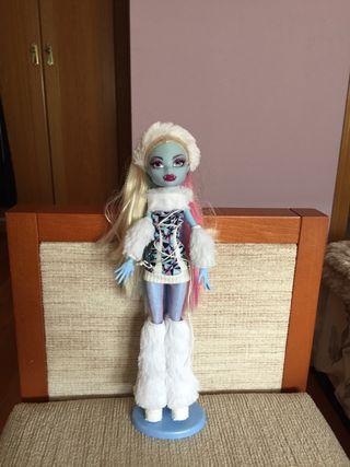 Muñeca Monster High - Abbey Bominable