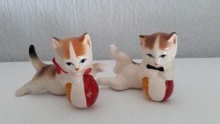 Figuras de gatitos.