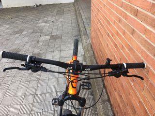 Manillar y sillin de bicicleta