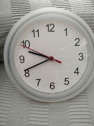 Reloj de pared Ikea.