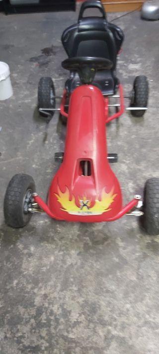 car de pedales