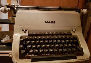 Máquina de escribir FACIT