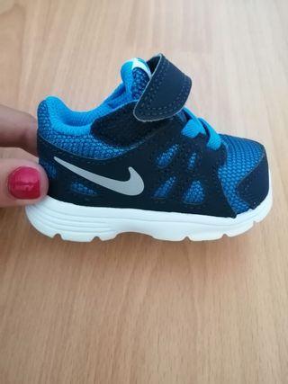 Zapatillas bebé Nike Revolution 2
