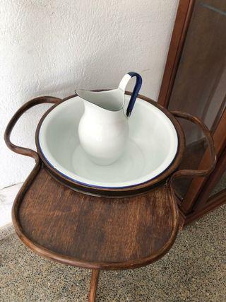 lavabo antiguo de madera