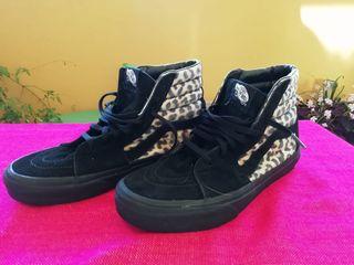 Zapatillas Vans leopardo.