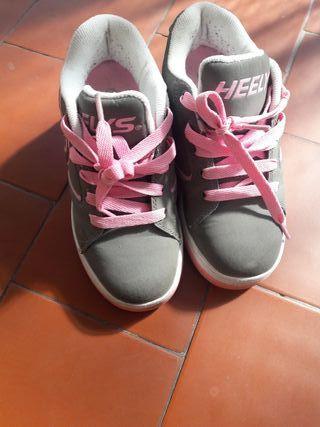 Heelys Skate