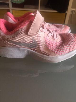 Zapatillas niña Nike talla 33