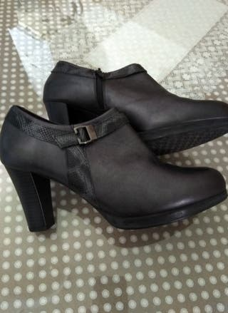 zapatos de marca pitillo