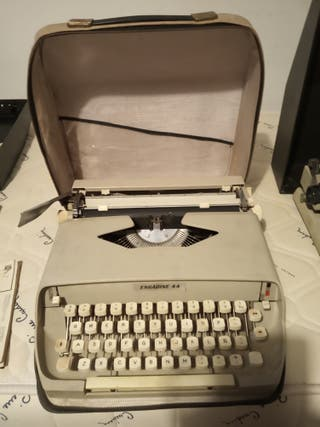 Maquina de escribir Engadine 44