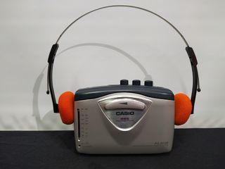 Walkman Casio con auriculares