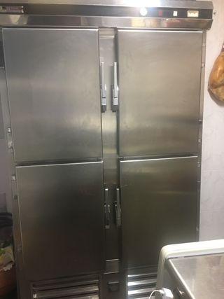 Armario refrigerador y congelador