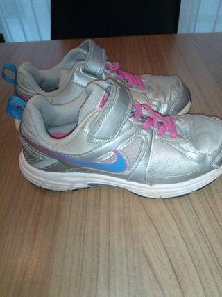 Zapatillas Nike niños de segunda mano en Lleida en WALLAPOP