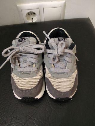 Zapatillas Nike bebé Talla 23,5