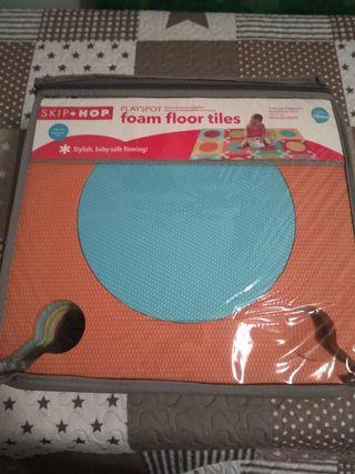 Alfombra skip hop playspot foam floor tiles