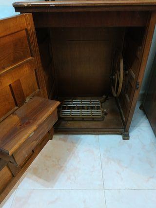 Mueble de madera antiguo.
