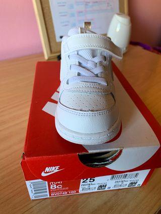 Zapatillas Nike niña talla 25