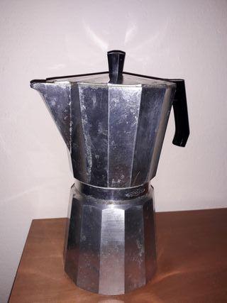 Cafetera de 12 servicios