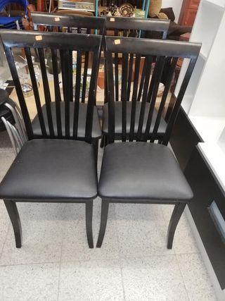Juego 4 sillas en perfecto estado