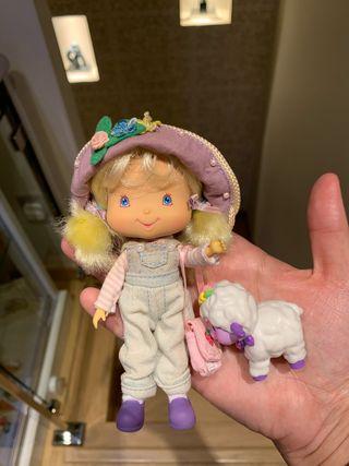 Muñeca de tarta de fresa: tarta de vainilla