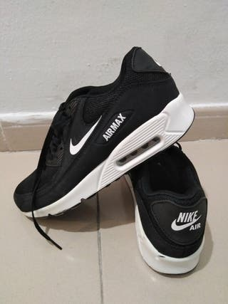zapatillas negras Nike Air Max