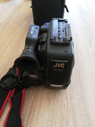 Cámara video profesional antigua JVC GR AX15R