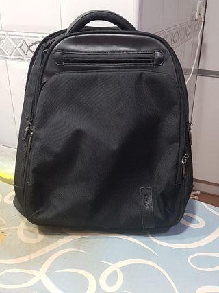 Mochila, bolso para ordenador