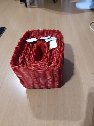 7 cestas rojas