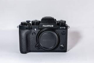 Fujifilm X-t3 + 18-55 f2.8 (Seminueva)