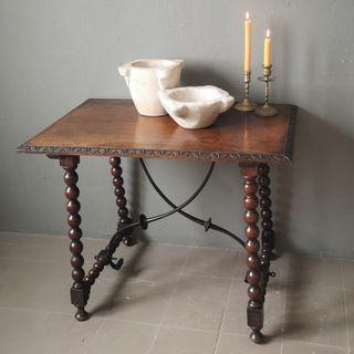 Antigua mesa de bargueño con pata lenteja S.XVIII