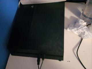 PS4 con mando negro