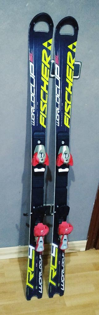 esquís altos de gama 1,40