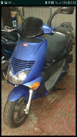 scooter 125 Aprilia Leonardo
