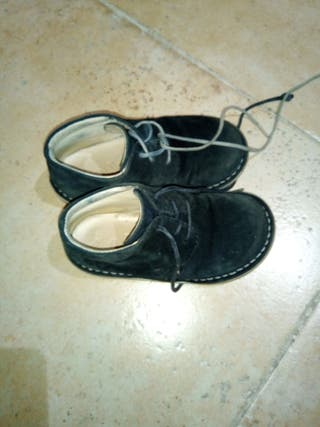 Zapatos~Botitas nino