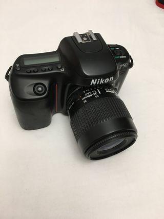 Cámara de fotos Nikon (carrete)
