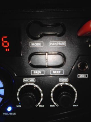 Àltavoz autoamplificado karaoke